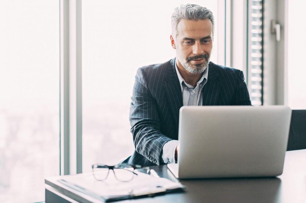 Les administrateurs et les responsables peuvent gérer facilement les outils de communications cloud.