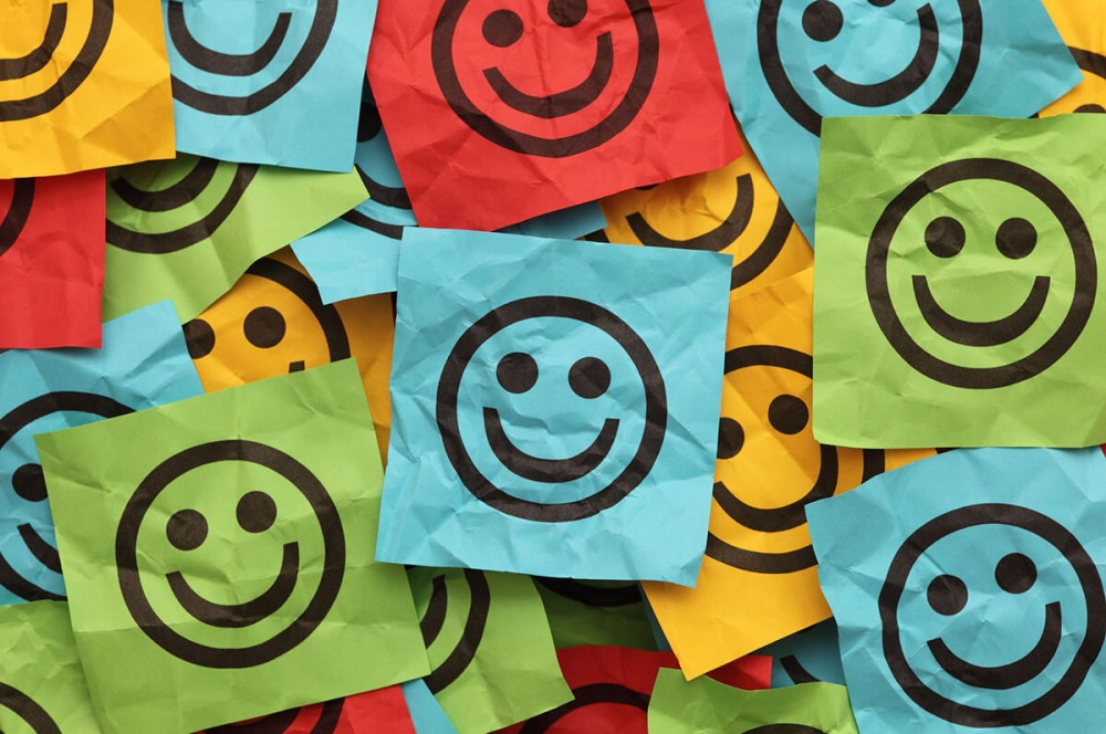 Les emojis et les gifs animés aident les télétravailleurs à s'exprimer en l'absence d'interactions en face-à-face.